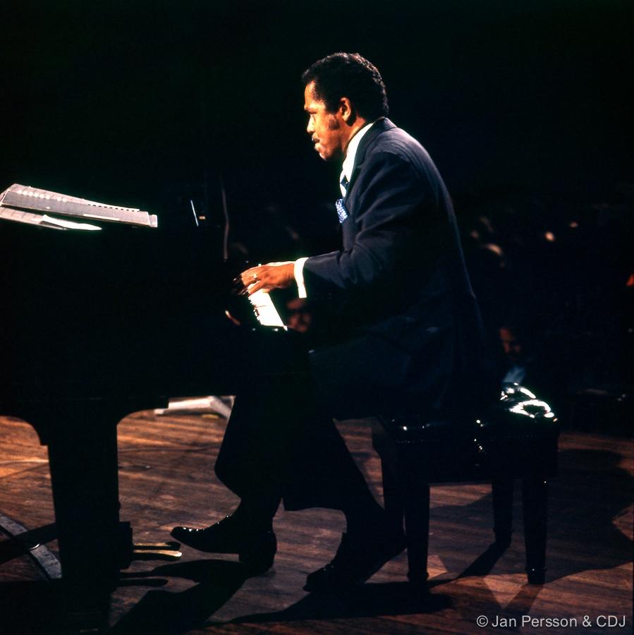 modern jazz Find modern jazz tracks, artists, and albums find the latest in modern jazz music at lastfm.